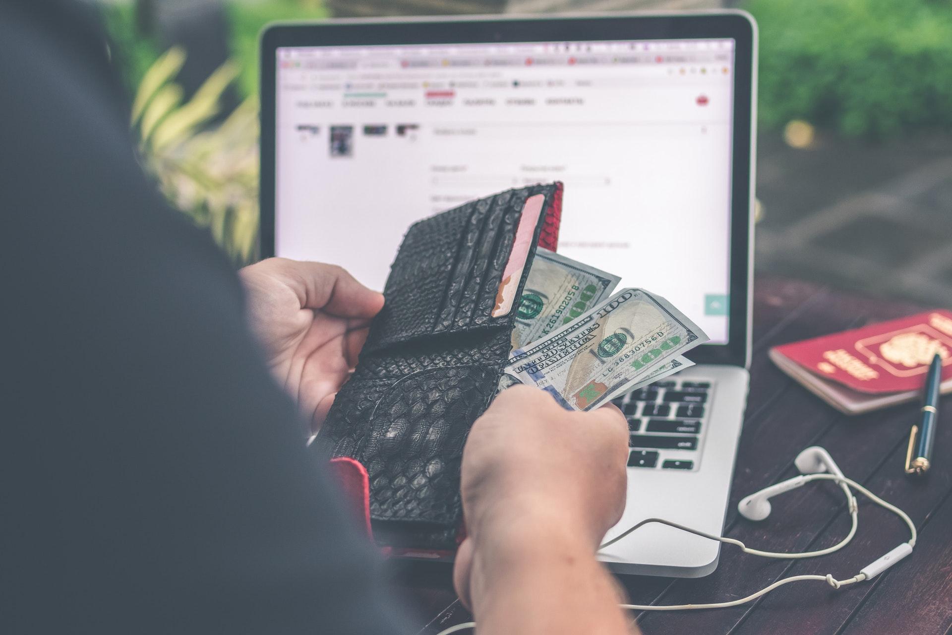 Pożyczki on-line – na co zwrócić szczególną uwagę podczas zaciągania pożyczki?