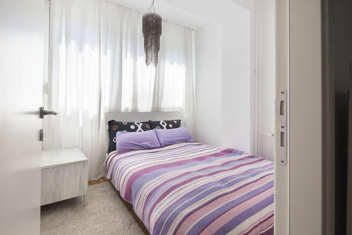 Łóżko do małego pokoju nastolatka – poznaj najpopularniejsze opcje
